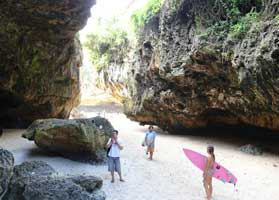 Hire a car to discover Uluwatu